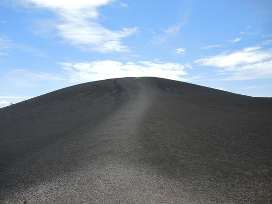 Craters of the Moon National Monument : Walk to the top of this mound and get a wonderful view of the surroundings.
