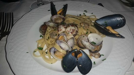 Hotel Santa Caterina: Linguine Claims and Mussels