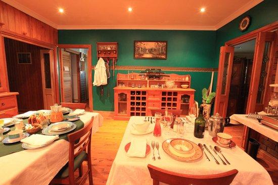 Wheelbarrow Lodge B&B : Dining