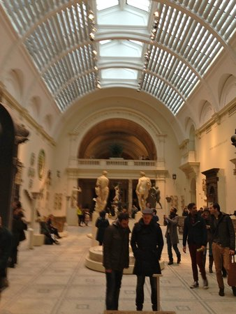 Museo Victoria and Albert: Antiquities Gallery