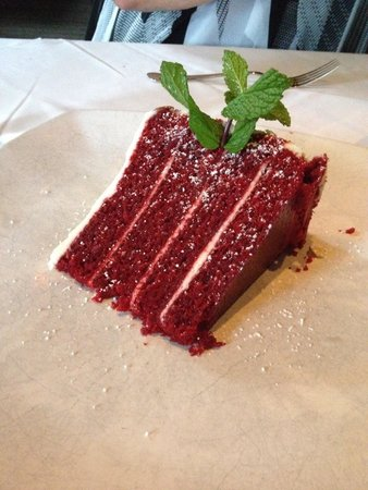 Ray's on the River : Red velvet cake