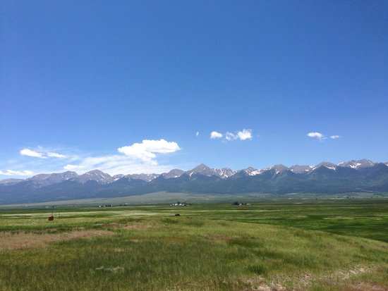 Alpine Lodge: Sangre De Cristo Mountain Setting