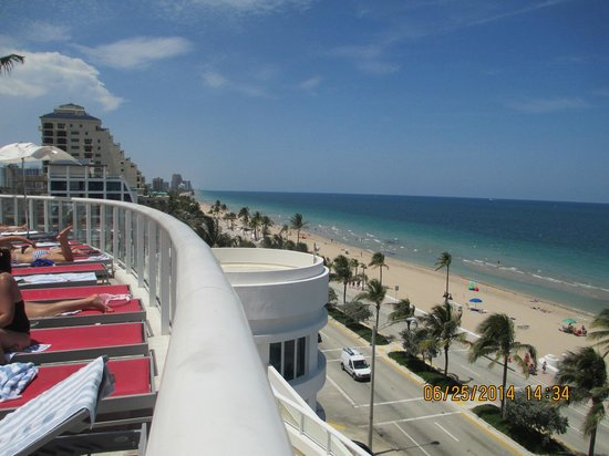 Hilton Fort Lauderdale Beach Resort: pool deck