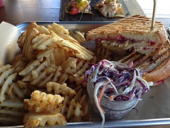 Himmareshee Public House: Turkey and Brie Panini