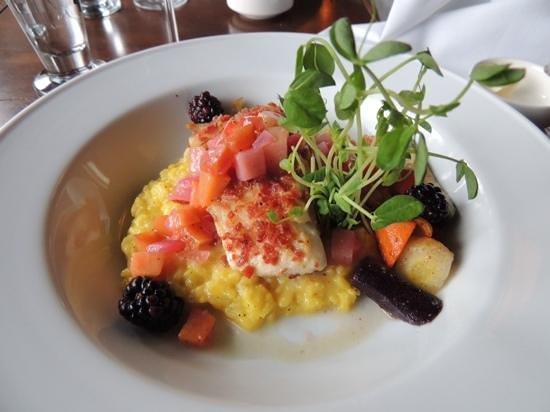Mount Fairview Dining Room: halibut com risoto de alçafrão