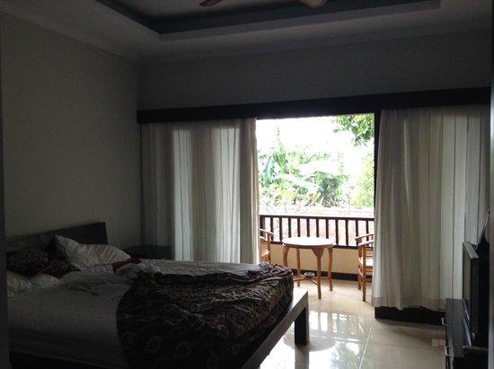 Sandat Bali : kamar dan pemandangannya