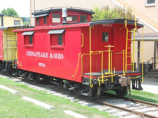 Hocking Valley Scenic Railway: Caboose In Tow