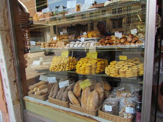 Ca' della Corte: One of the many bakeries in the area