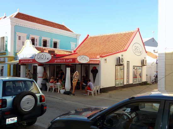 "Gio's Gelateria & Caffe : Gio's Ice Cream Shop.  ""The Best in the West"" Bonaire"