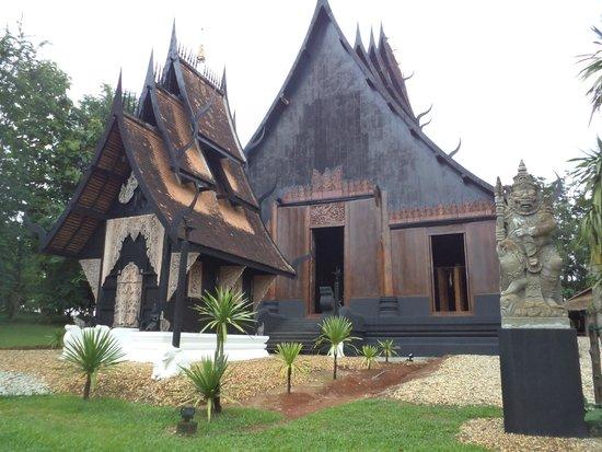 Casa Negra - Baan Si Dum - Museo Baandum: บ้านดำ