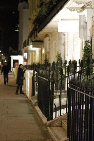 easyHotel London Victoria: Frente do hotel