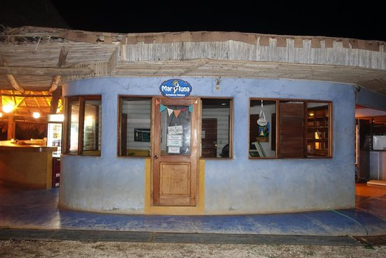 Hotel Playa Negra: Heladeria (Ice Cream shopo) ~ CLOSED entire time of our stay :-(
