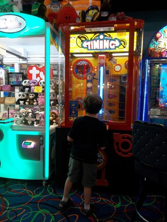 Big Top Arcade: Example of $1 game.
