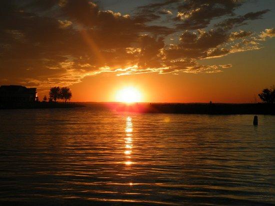 Tilghman Island: Knapps Narrows Sunset