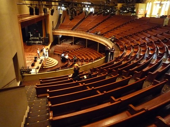 The Grand Ole Opry : Inside stage