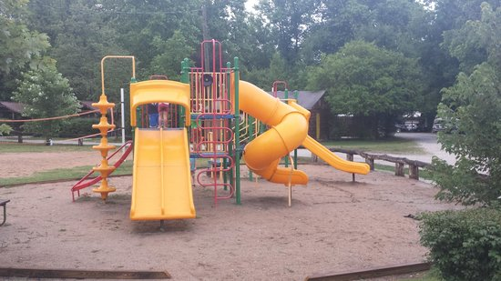 Deep Creek Tube Center & Campground: Playground