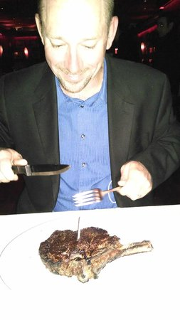 Club A Steakhouse : steak