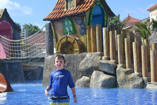 Luxury Bahia Principe Esmeralda Don Pablo Collection: Water Park