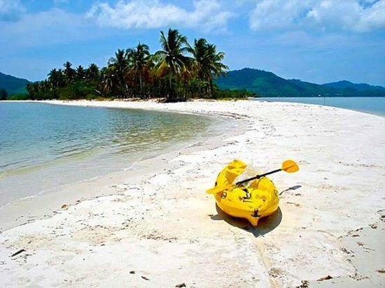 K.Y.N. Muay Thai Gym: Sea kayaking: this coastline on Yao Yoi lies directly opposite KYN gym