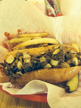Hunt's Battlefield Fries & Cafe': Cheese steak and fries