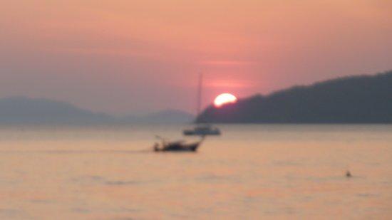 Ruenmayura Hostel: Sundown at Ao Nang Beach - 5 mins from hotel
