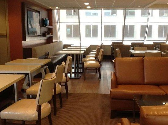 Sheraton Ottawa Hotel: Club lounge