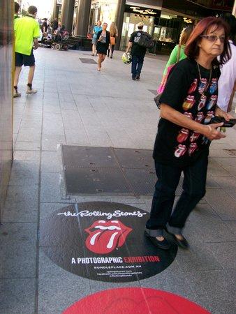 Rundle Mall : Side Walk