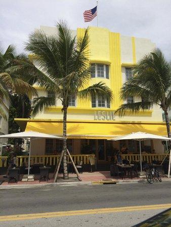 Leslie Hotel: Frente do Hotel