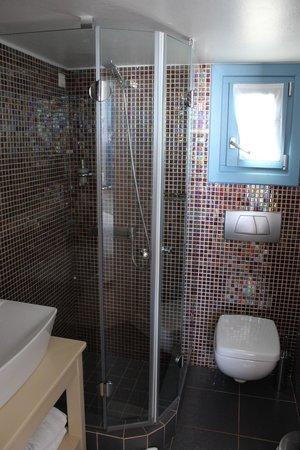 Anemomilos Apartments: Bathroom