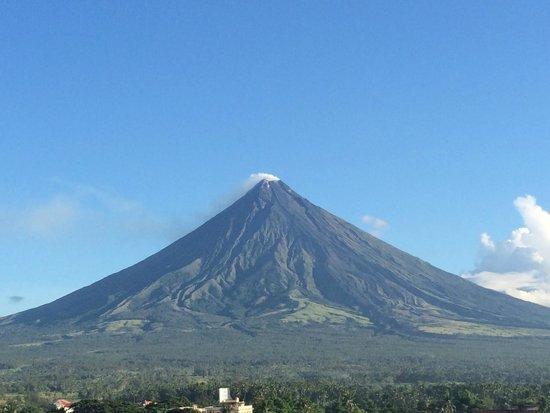 Mayon Volcano : View from Daraga Church
