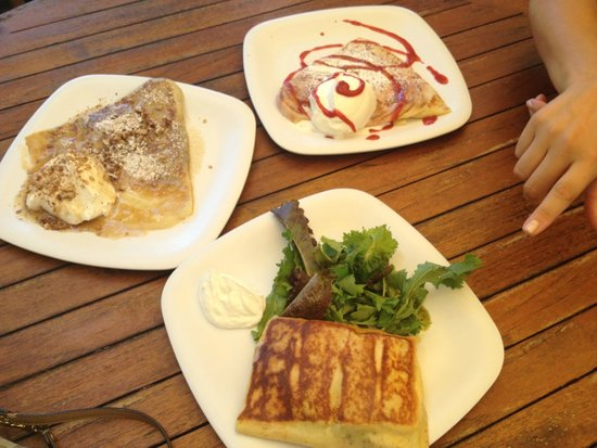 Cafe des Amis: Savory Brie crepe, Kula Strawberry & Cream & Pecan with Maple Syrup & Cream