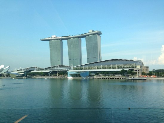 The Fullerton Bay Hotel Singapore: Hotel room view wow!