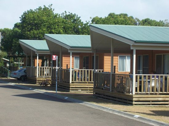 Canton Beach Holiday Park: Kingfisher Cabins