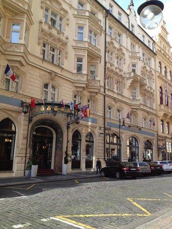 Hotel Paris Prague: エレガントなエントランス