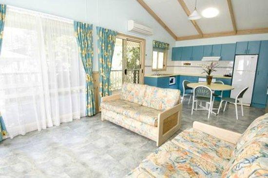 Canton Beach Holiday Park: Sheerwater Cabin Interior