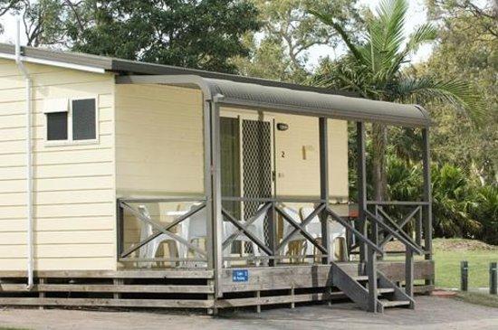 Canton Beach Holiday Park: Jabiru Cabin