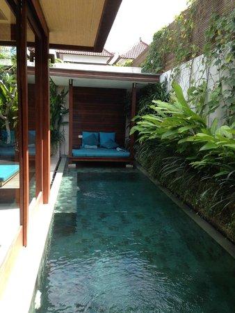 Maca Villas & Spa: Pool and cabana