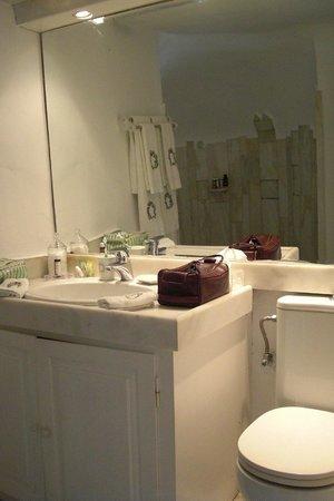 The Tsitouras Collection Hotel: Bathroom