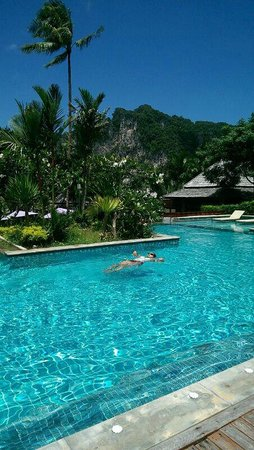 Phu Pi Maan Resort & Spa: Lovely pool