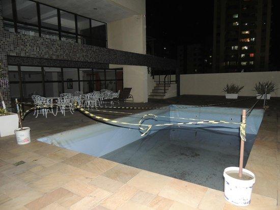 Costa Sul Beach Hotel: Piscina desativada