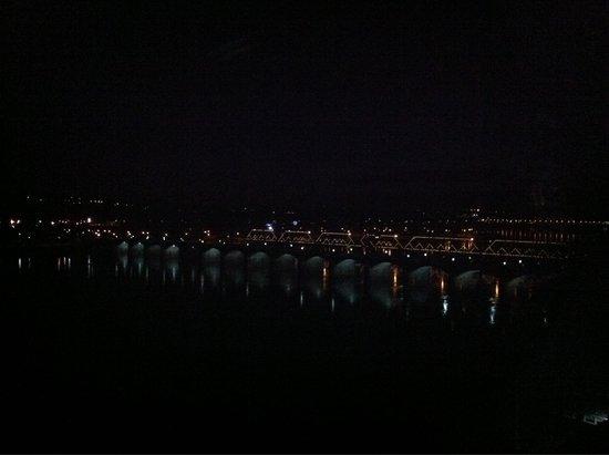 Riverfront Park: Night Lights