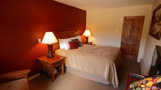 The Maxwell Inn: Room 4 Bedroom