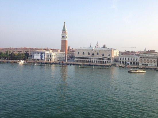 Gran Canal: Sailing into Venice