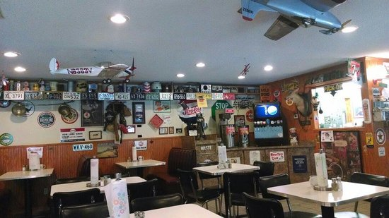Big Boy's Barbeque: Inside. Lots of neat things to look at. Bunch of airplane stuff, too.