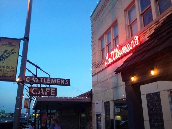 Cattlemen's Steakhouse: Sunset