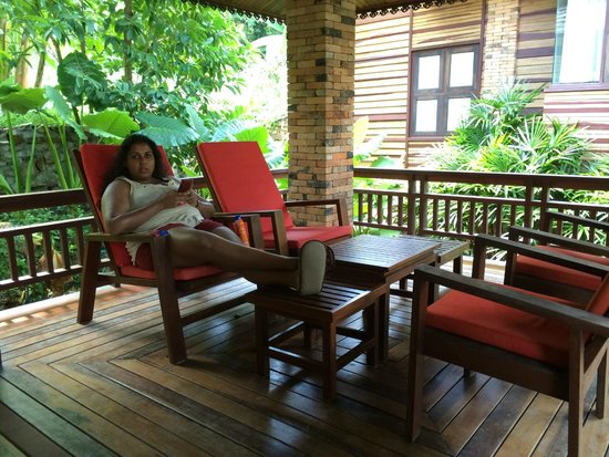 Phu Pi Maan Resort & Spa: The private gazebo outside the 2 bedroom villa