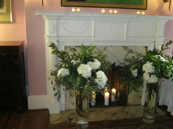 Tabard Inn: Fireplace in reception room