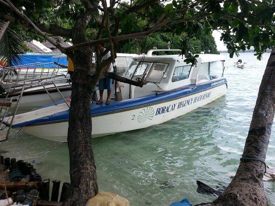 Henann Garden Resort: Private speedboat and docks