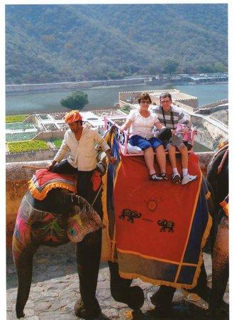 Agra Fort: Fantastic elephant ride
