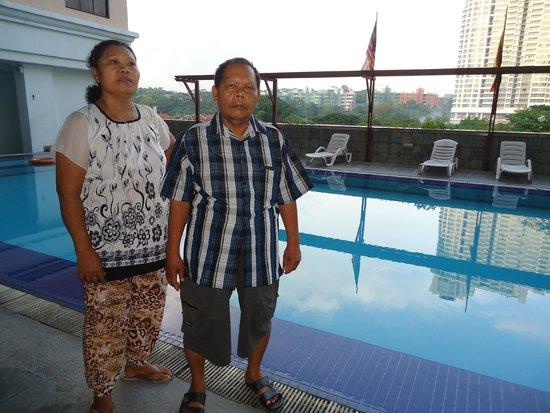 Q Hotel: Swimming Pool